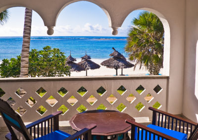 Southern_Palms_-_Ocean_Front_Room_Balcony
